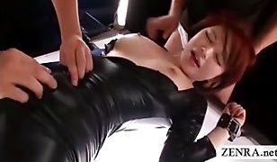 Futuristic video where a Futanari is tied while milking
